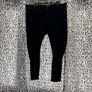 Melissa McCarthy Seven7 skinny jeans